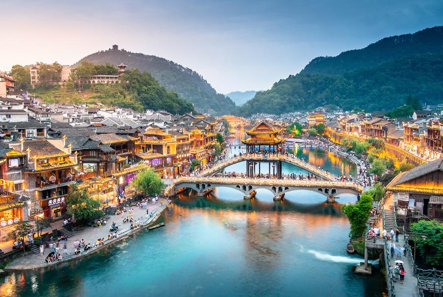 Nam Ninh- Trương Gia Giới - Phù Dung Trấn - Phượng Hoàng Cổ Trấn (Đường bộ) Tết 2020